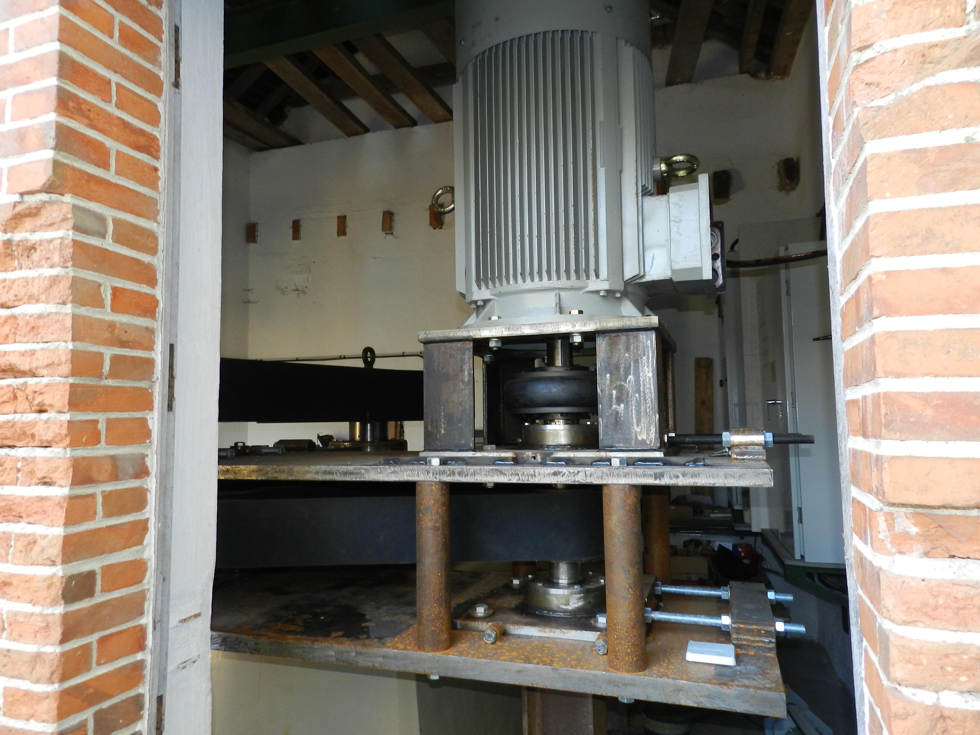 centrale-hydrau-electriquemultiplicateur-1