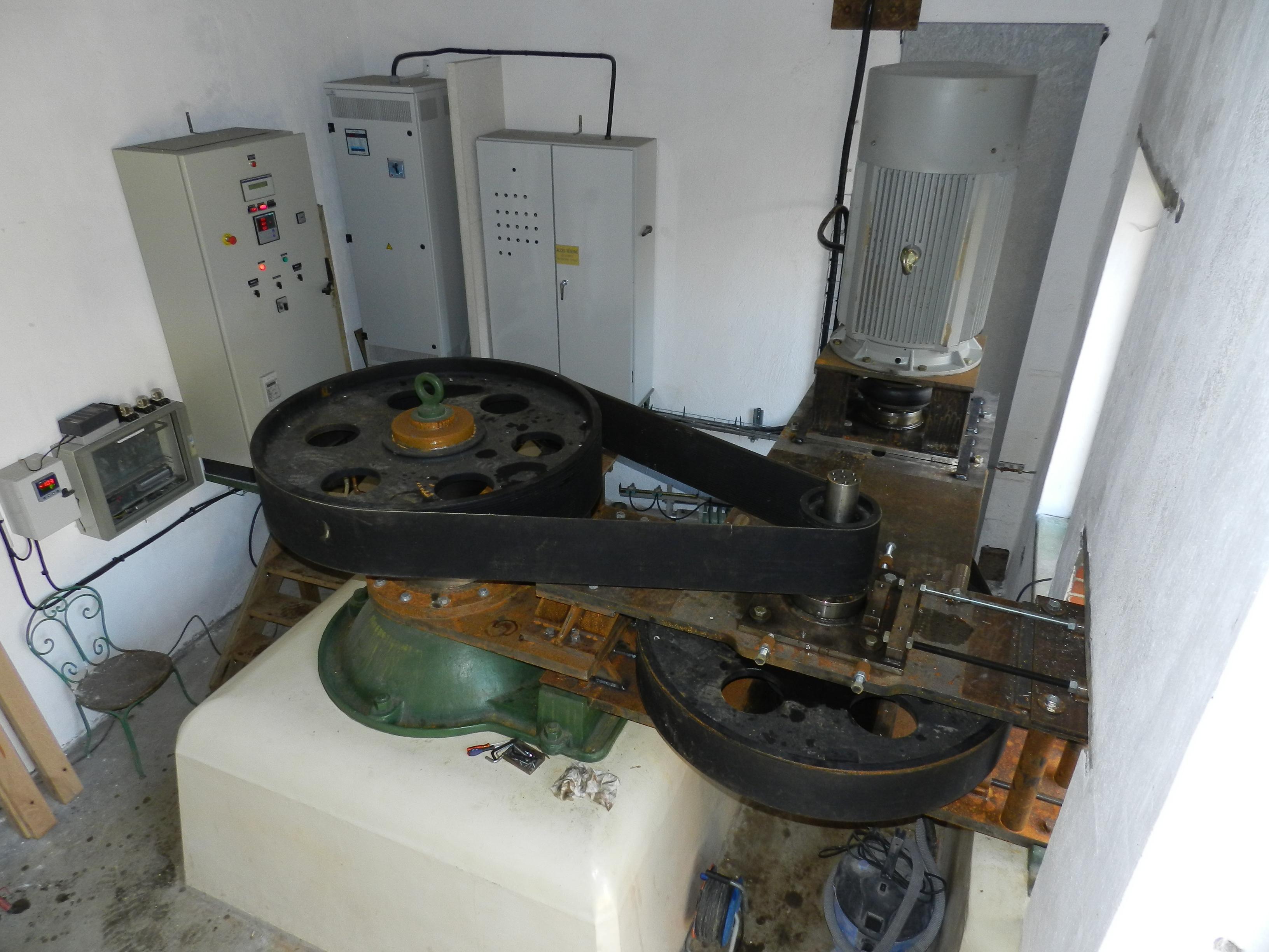 centrale-hydrau-electriquemultiplicateur-2