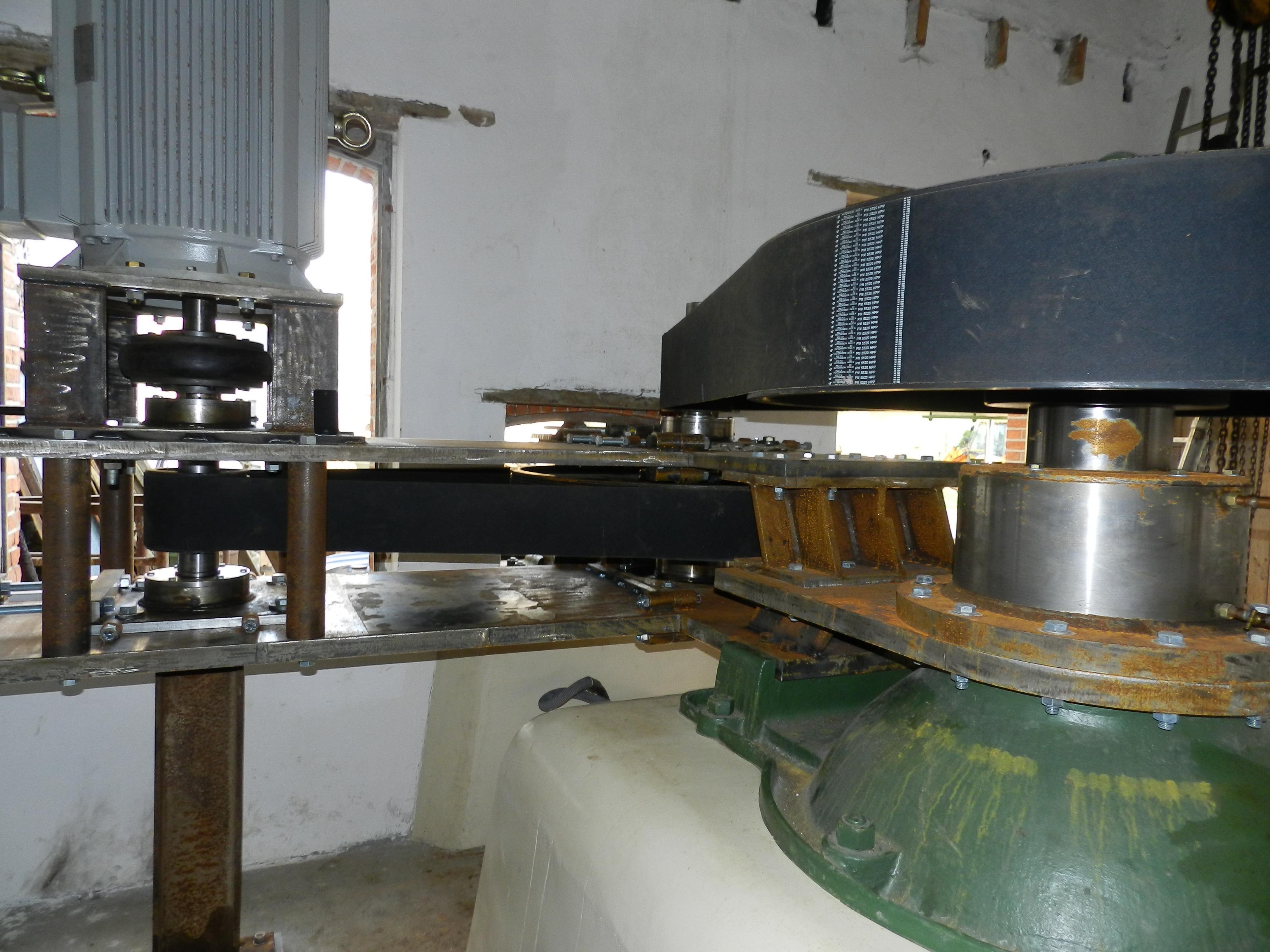 centrale-hydrau-electriquemultiplicateur-5